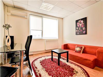 Apartament 3 camere, parcare, Centru, P-ta Mihai Viteazu!