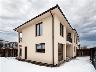 Duplex superb, 6 camere, cu terasa, la intrare in Floresti!